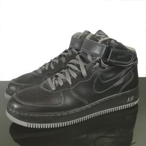 Nike AIR FORCE 1 Black and Grey  Size 11